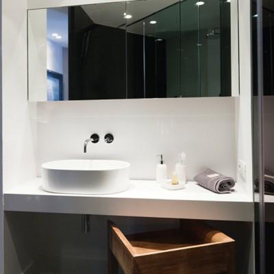Nuevos baños vivienda particular, Barcelona