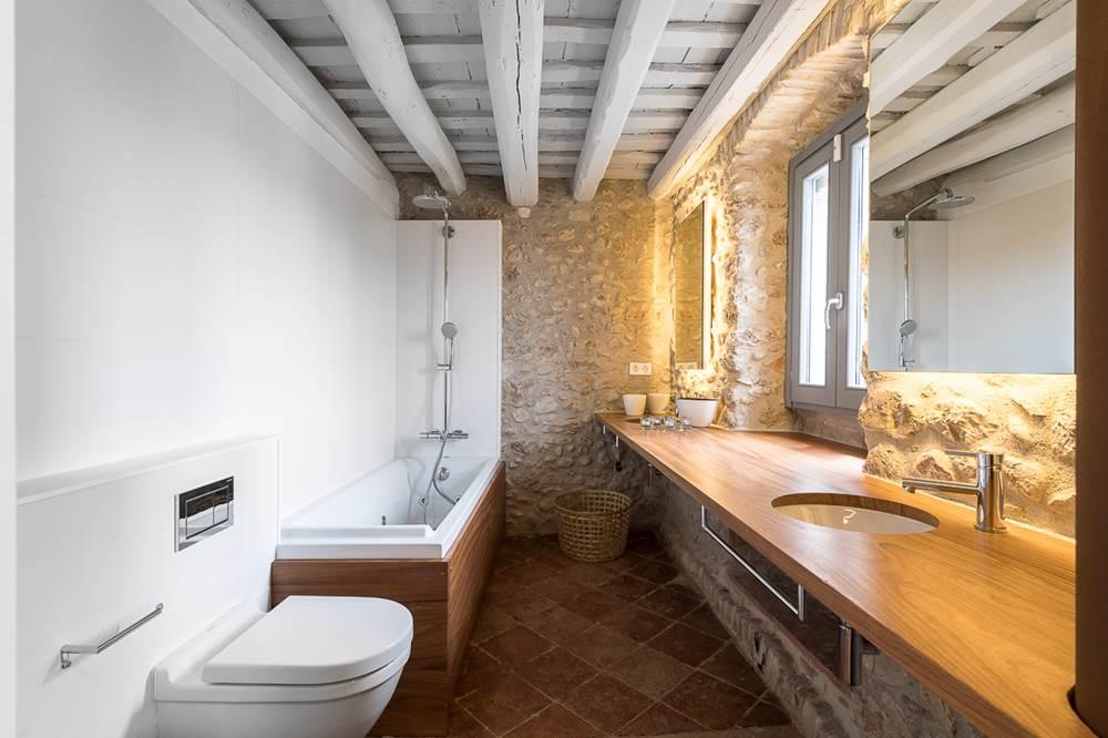 Ba os rusticos modernos tono bagno for Banos diseno rustico