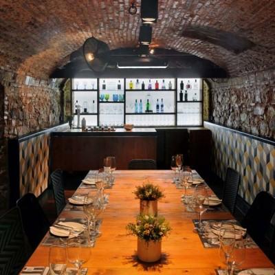 Baños y porcelánicos restaurante L'Ostia, Barcelona