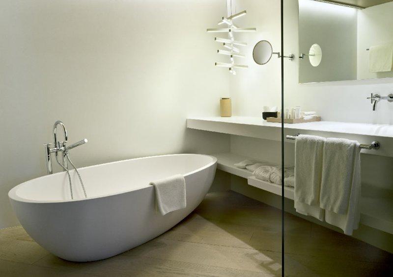 Decoraci n y dise o de ba os de hoteles tono bagno for Banos interiores para casa
