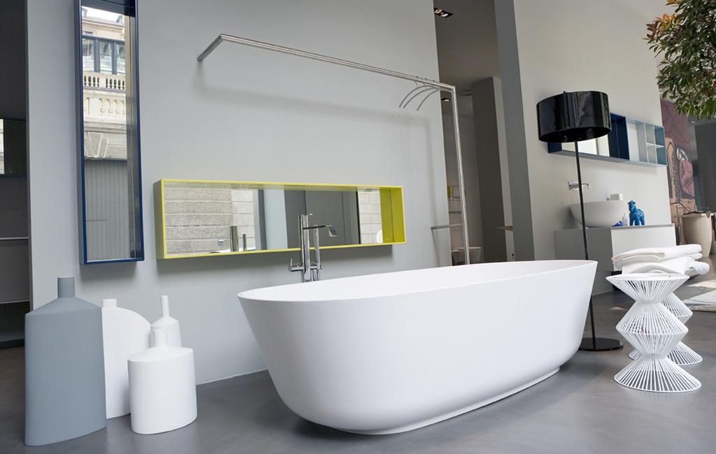 Tono Bagno - Baños modernos cemento - AntonioLupi - bañera BAIA CRISTALPLANT W - griferia BIKAPPA