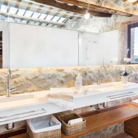 Banos-modernos-casa-rustica-Pals-pueblo-de-la-Torre-4-Emporda-Girona-Cases-Singulars-10