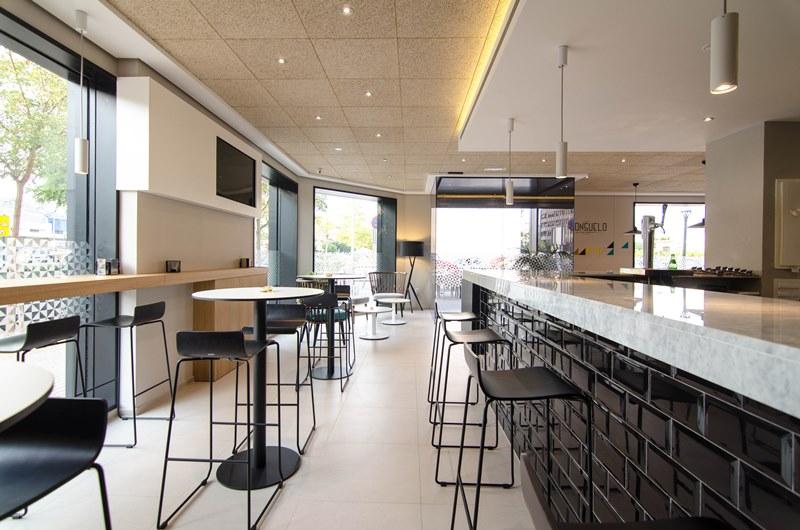 Suelos y paredes para bares y restaurantes tono bagno - Decoracion bares modernos ...