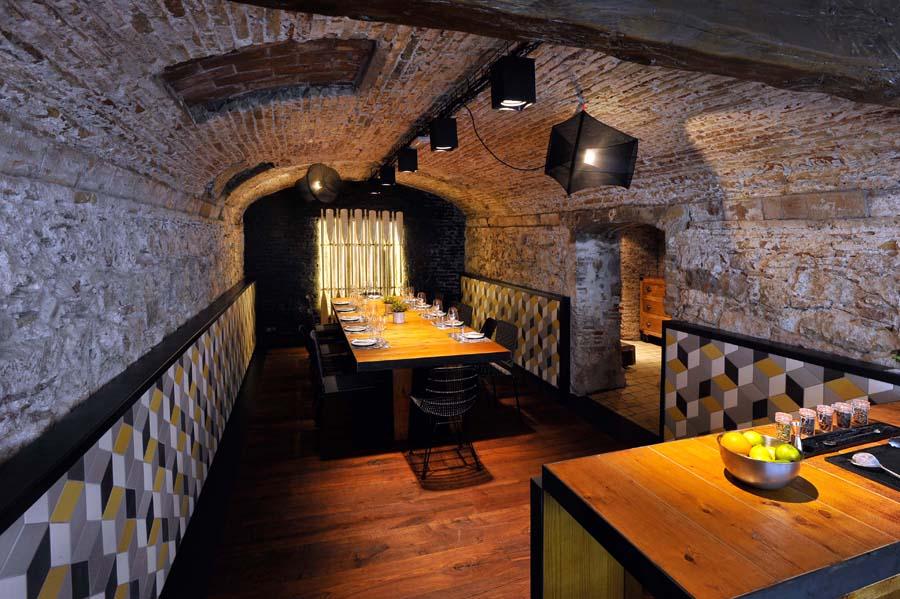 suelos y paredes para restaurantes rusticos, tono bagno barcelona