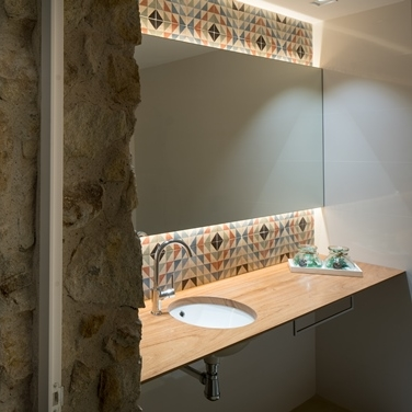 Baños para casas de pueblo rehabilitadas, Girona