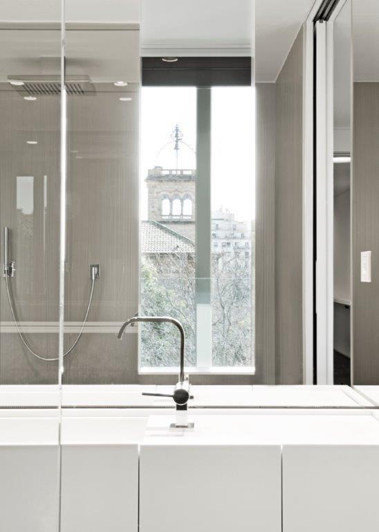 reforma edificio viviendas de lujo baos de lujo barcelona tono bagno
