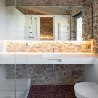 Reforma de los baños en una casa rural