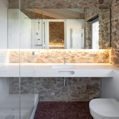 Reforma de baños, cocina y zona barbacoa, casa de pueblo (Pals, Girona)